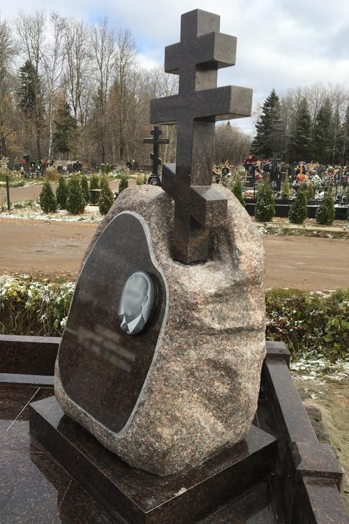 Купить памятники на могилу недорого и эффективно изготовление памятников в москва бресте
